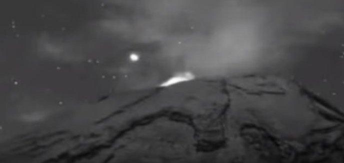 OVNI é filmado emergindo de um vulcão ativo
