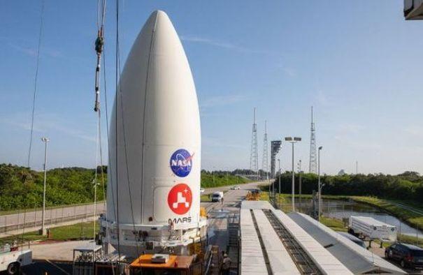 Jipe-sonda Perseverance que irá a Marte já está no foguete