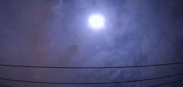 Rocha espacial causa estrondo sônico no céu do Japão