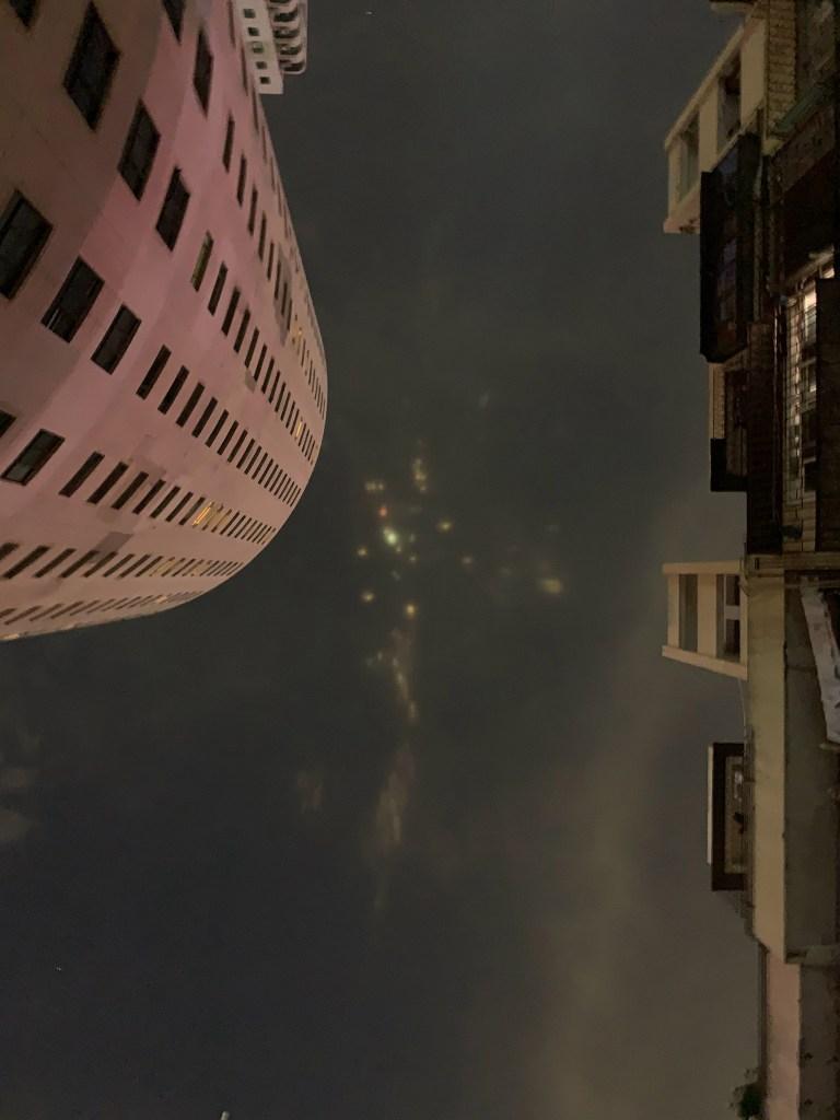 Misteriosas luzes coloridas no céu provocam espanto na China