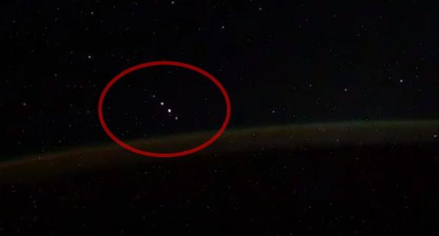"""Cosmonauta da ISS filmou 5 """"OVNIs"""" sobrevoando a Antártica"""