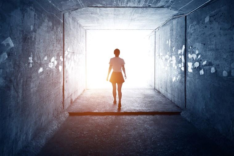 Existe um plano ou propósito dos ETs por trás das experiências de quase morte?