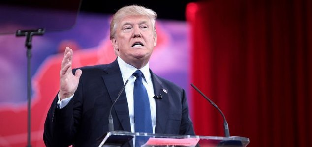 """Donald Trump insinua """"transparência total"""" sobre os OVNIs"""