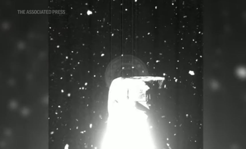 Amostras de asteroide estão escapando da sonda da NASA para o espaço