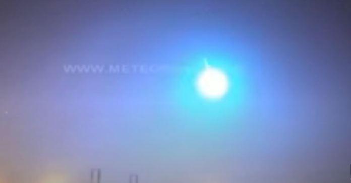Meteoro explode sobre Portugal, tornando a noite em dia por um segundo