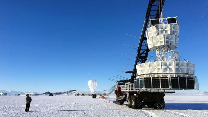Sinais do espaço profundo detectados na Antártica desafiam a explicação