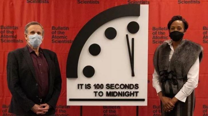 Relógio do Juízo Final está a 100 segundos para meia-noite