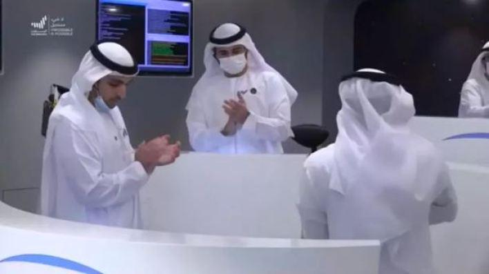 """Sonda """"Esperança"""" dos Emirados Árabes entra em órbita de Marte"""