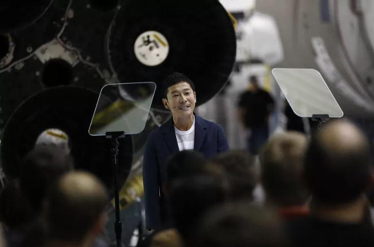 Bilionário japonês procura por oito pessoas para irem com ele à Lua