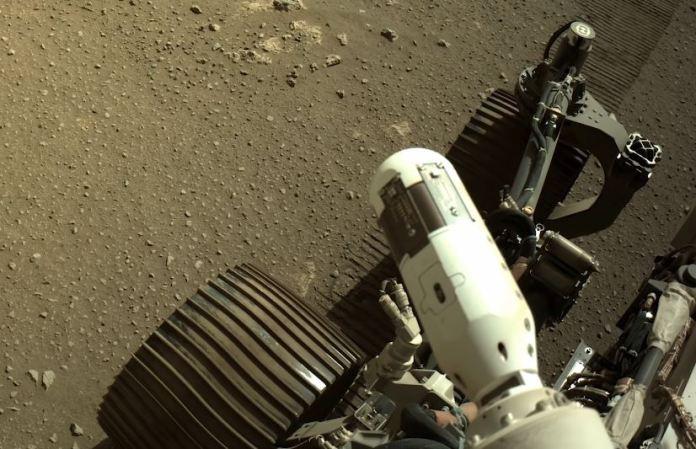 Ouça o som das rodas do Perseverance em Marte quando ele se move