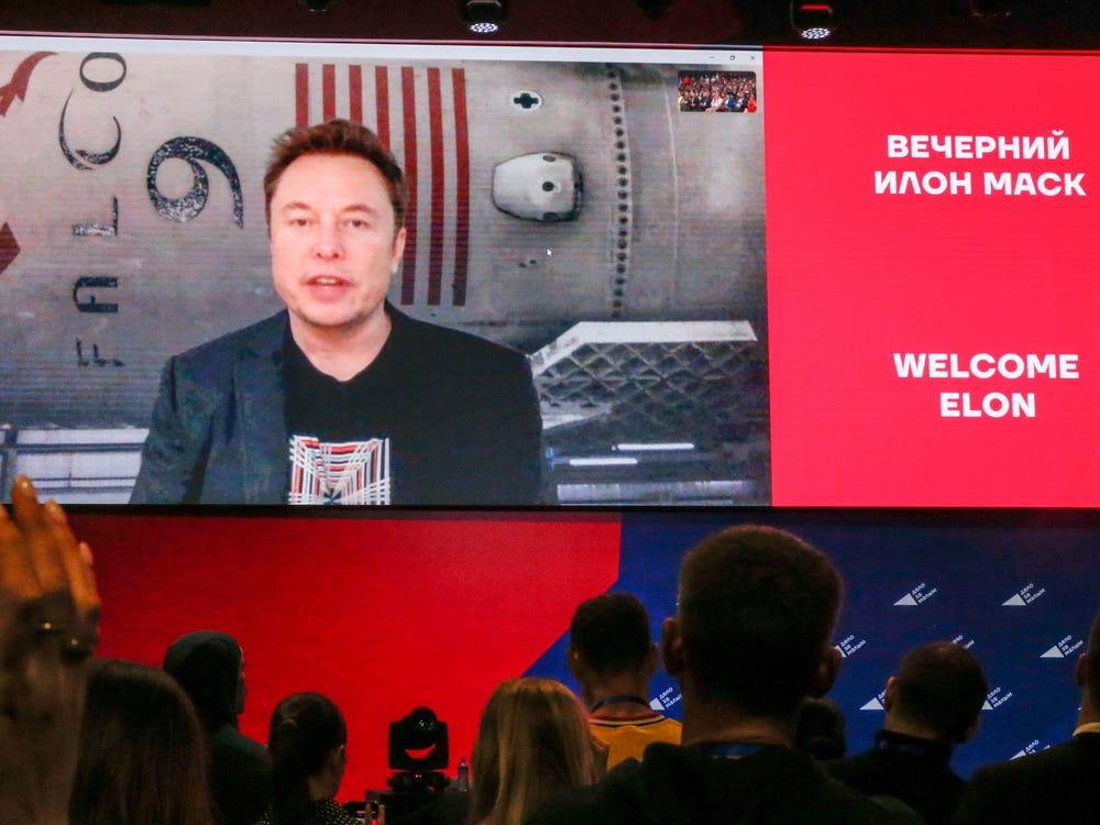 Diretor da Roscosmos (Rússia) convidou Elon Musk a falar sobre vida extraterrestre