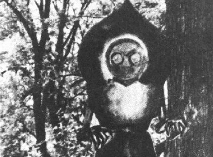 Crianças ficam cara a cara com monstro ao lado de OVNI - Pentágono se envolve