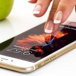 Apple trabaja en un iPhone curvo que se controla por gestos