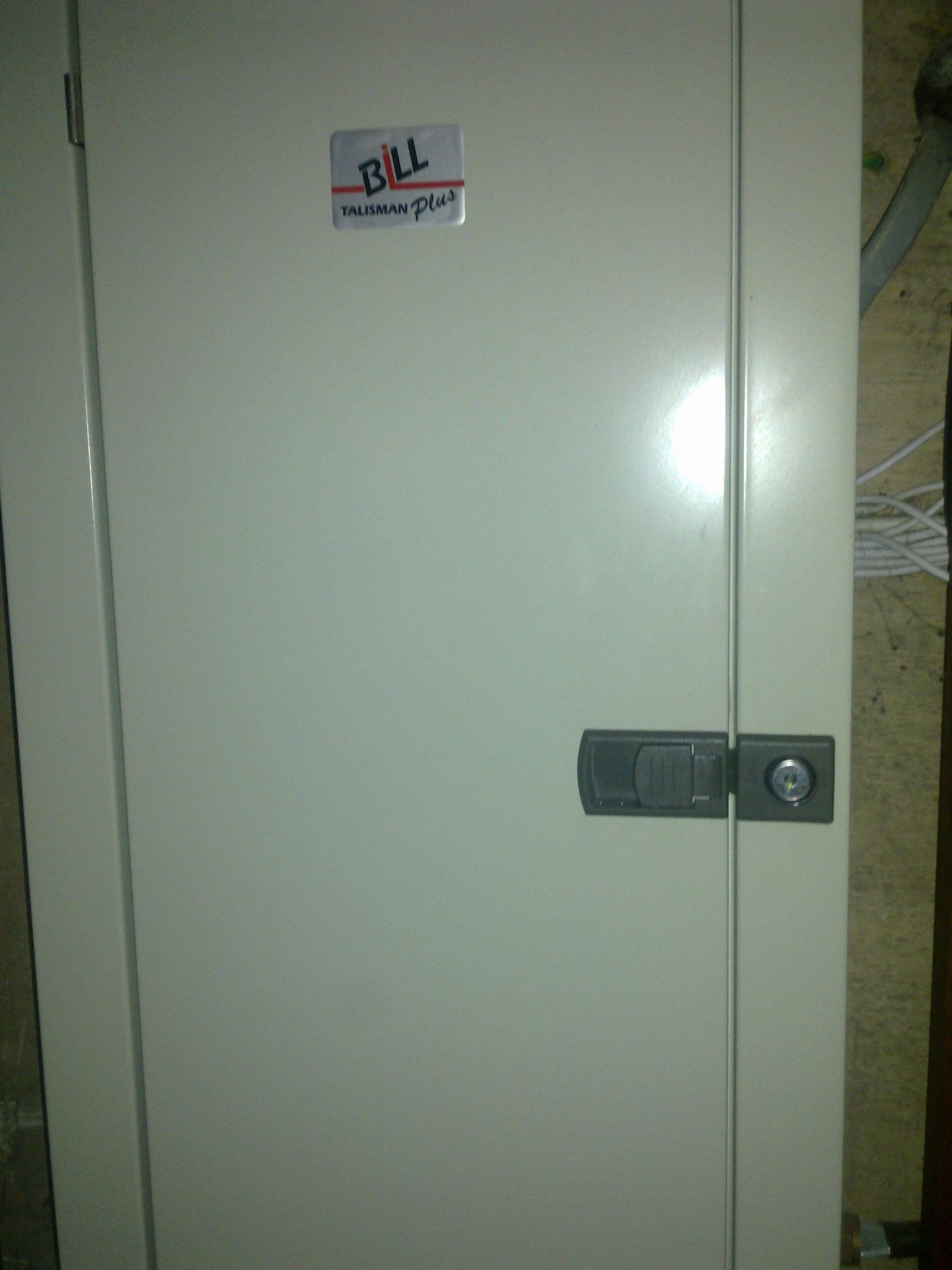 Locked cabinet causes Angarrack lady to blow a fuse