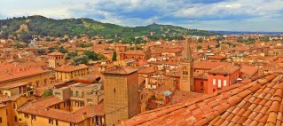 reasons to visit and fall in love with bologna