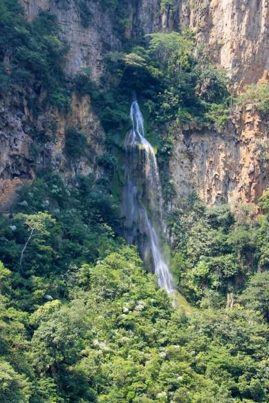 0162_SanCristobal_CanonDeSumidero_Ueberall-Wasserfall