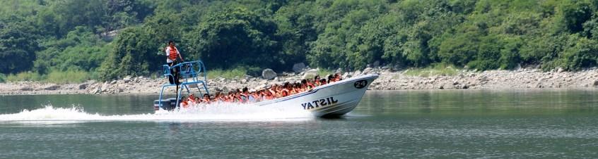 0204_SanCristobal_CanonDeSumidero_Im-Speedboot-ging-es-durch-den-Canon