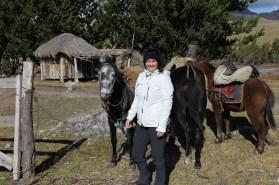 Cotopaxi Nationalpark - Kennenlernen der Pferde vor dem Ausritt