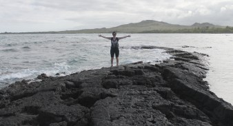 Galápagos, Santa Isabela: Otti auf dem Lavatunnel