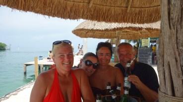 Belize, Caye Caulker: Geburtstagsrunde am Split