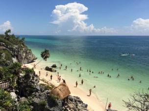 Mexiko, Maya Ruinen von Tulum: Eine willkommene Erfrischung im warmen Wasser nach der Besichtigungstour