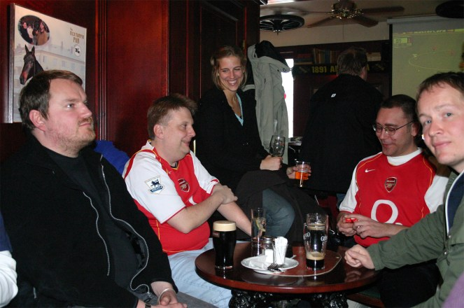 050407_DIF_Arsenalladies01