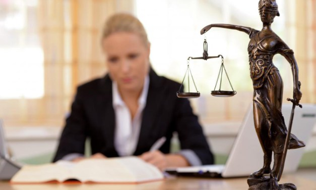 What is the Difference between a Lawyer, a Legal Administrator, and an Attorney?