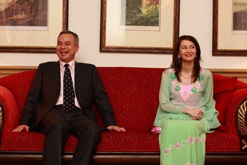 a_dinner_and_discussion_with_hrh_raja_nazrin_shah_20101228_2037944628