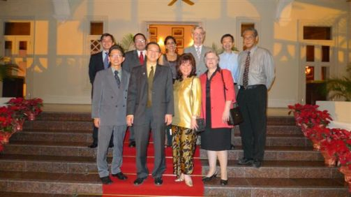 credit_suisse_dinner_dialogue_series_with_yab_lim_guan_eng_20101228_1133471102