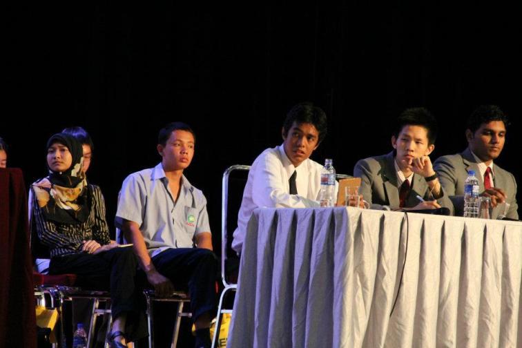 the_oxbridge_malaysia_and_ktj_debate_and_workshop_2012_94_20120624_2054291424