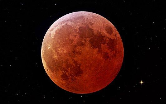 Total lunar eclipse. Photo: NASA