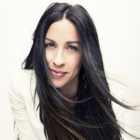Alanis Morissette, not so cross anymore. Gemini Sun
