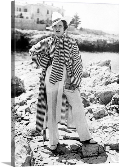 Marlene Dietrich on holiday in Cap D'Antibes. Summer 1933 — last time Jupiter in Libra opposed Uranus in Aries.