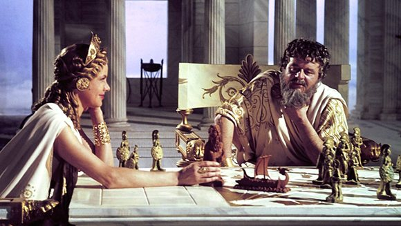 Niall MacGinnis as Zeus and Honor Blackman as Hera in Jason and The Argonauts (1963)
