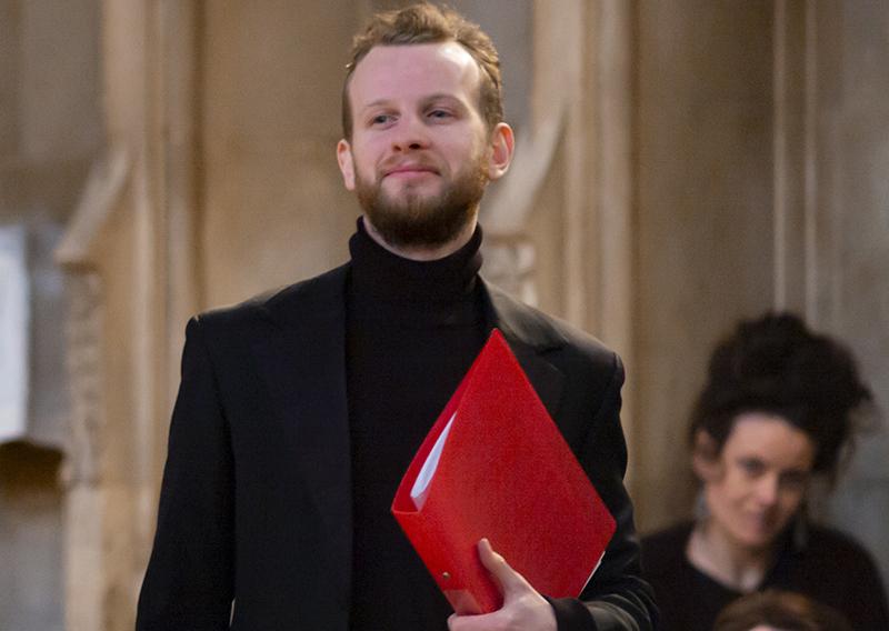 Tom Lowen Performing