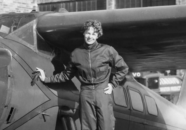 La Aviadora Amelia Earhart fue una de las Mujeres viajeras que recorrieron el mundo