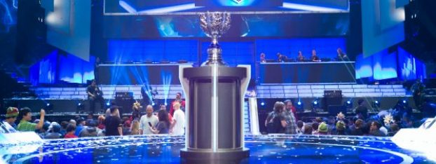 Stage_and_trophy_of_LoL_World_Championship_2013