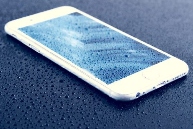 smartphone water