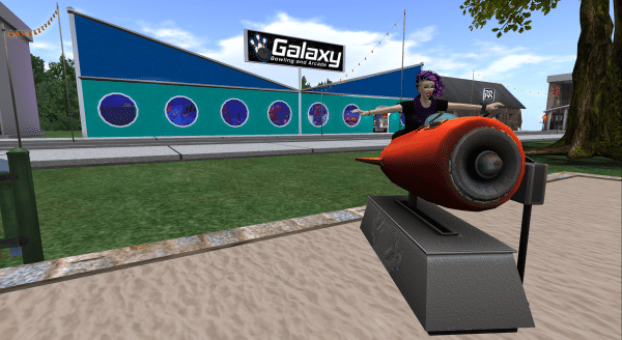 I'm having a lot of fun on this rocket ship ride. Wheeeee! Second Life.