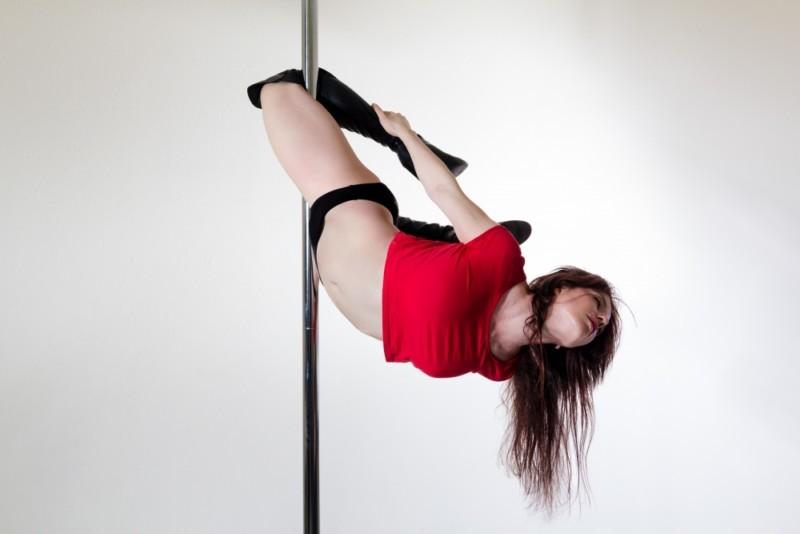 Laetitia Colmé Prof de Pole Dance Oxypole Carcassonne