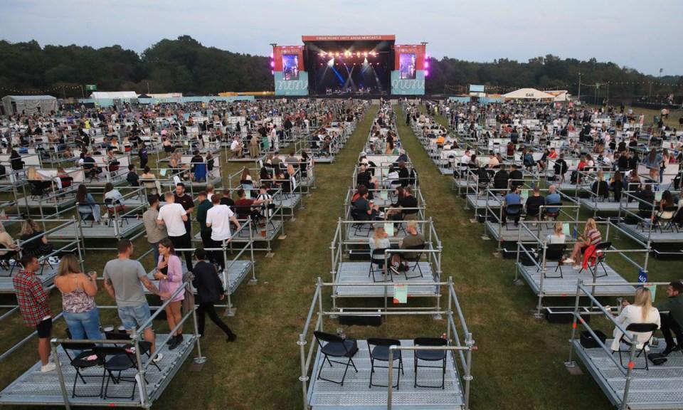 Así se puso el primer concierto masivo socialmente distanciado