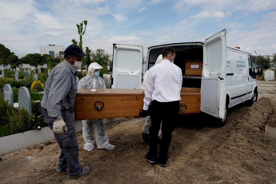 OLOV: Video muestra a un hombre despertar dentro de un congelador luego de ser declarado muerto
