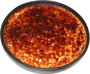 crème brûlée dans un plat à tarte Oyera