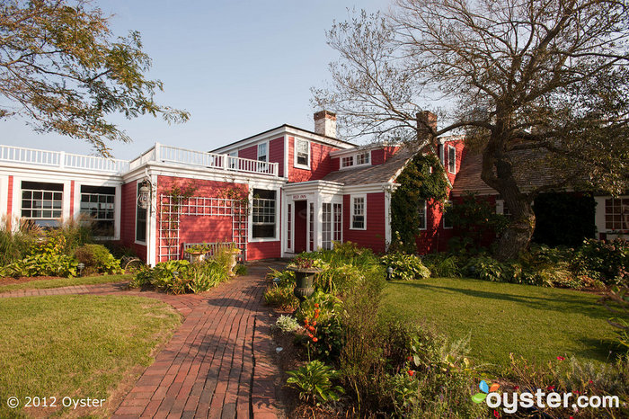 The Red Inn in Cape Cod is a lovely spot for a beachy New England wedding just as fall approaches.