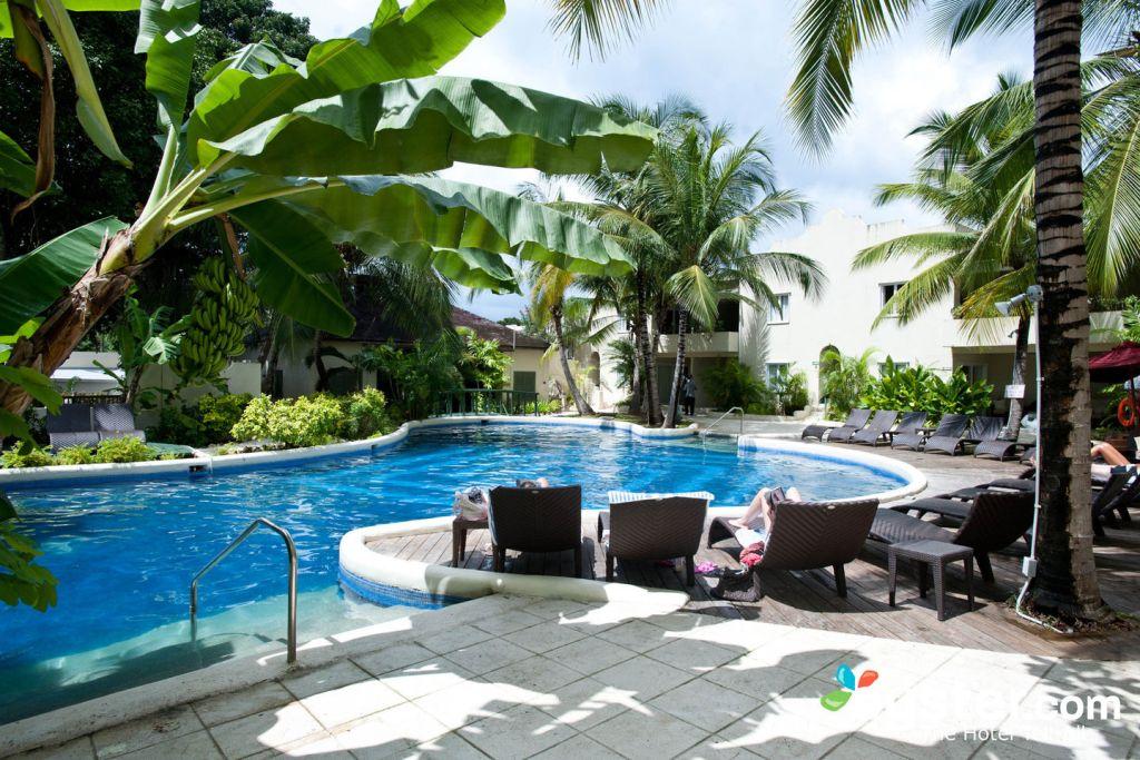 Spa Pool at the Waves Hotel & Spa