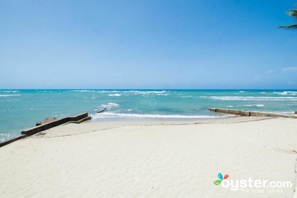 Spiaggia al Velero Beach Resort, Cabarate / Oyster