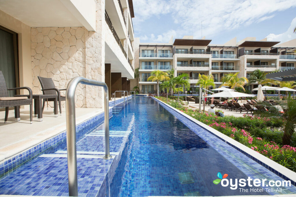 Grounds at Hideaway a Royalton Riviera Cancun / Oyster