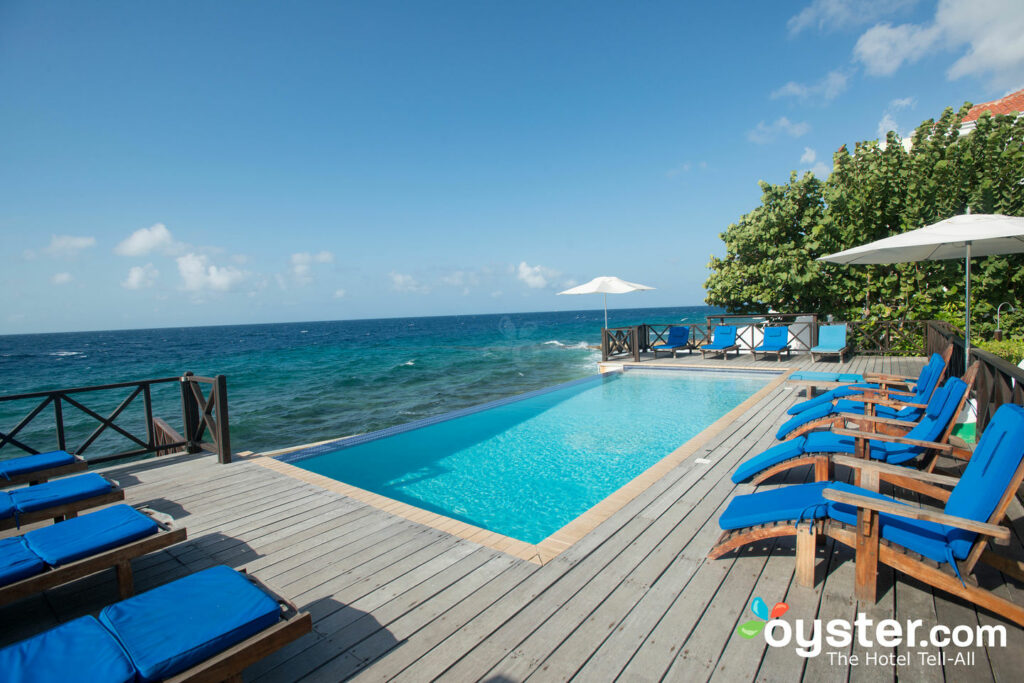 Oceanfront Pool presso The Scuba Lodge & Suites, Curacao / Oyster