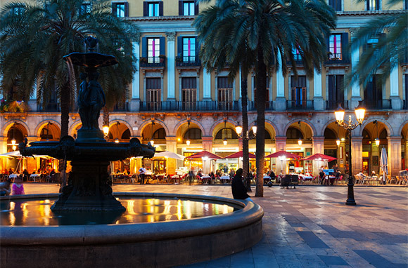Photo: Placa Reial via Shutterstock