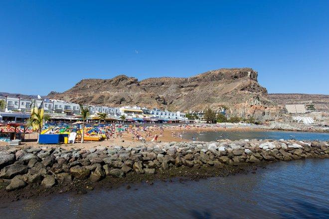 Playa en Puerto de Mogan / Oyster